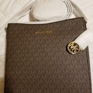 New With Tags Michael Kors Crossbody!